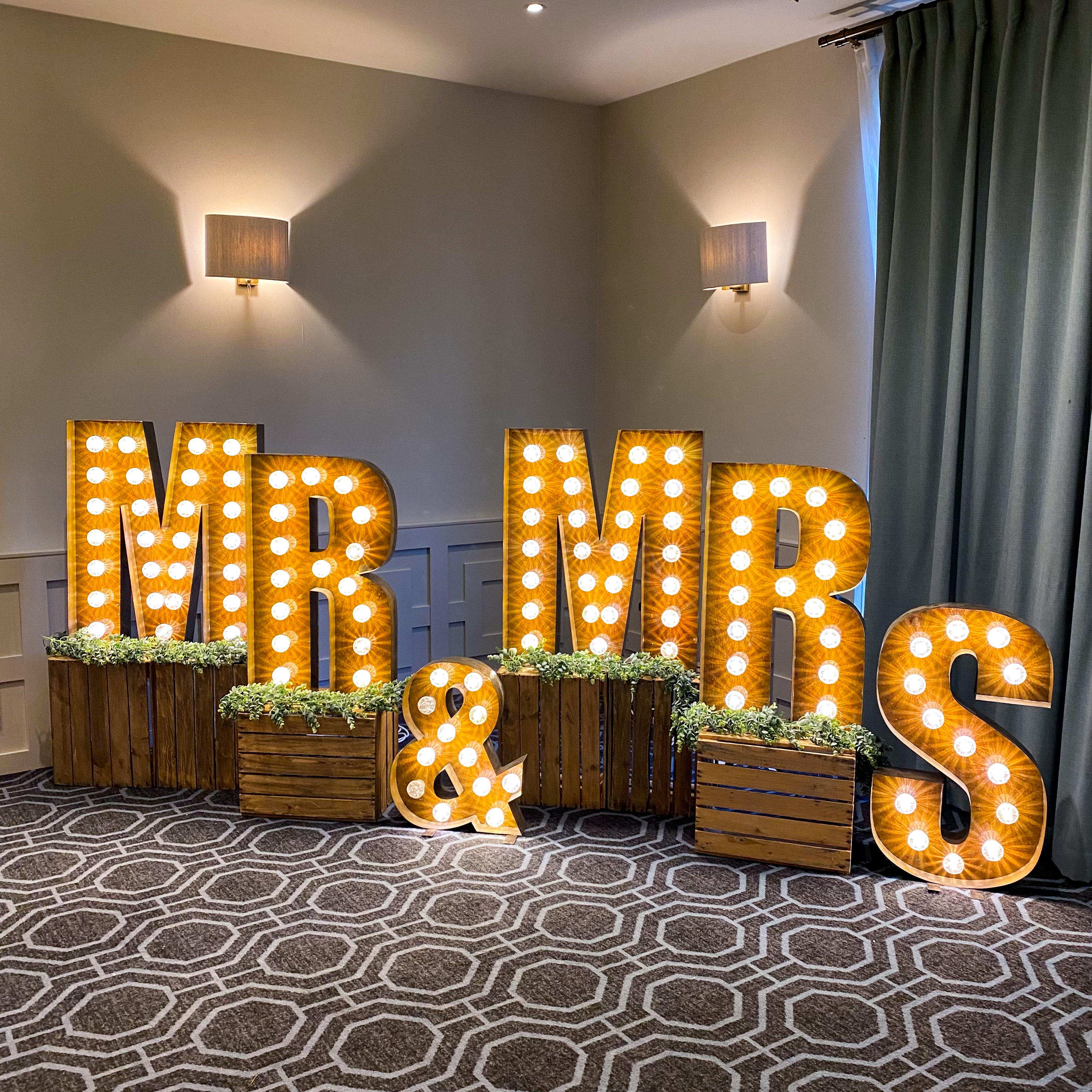 Large list up letters for weddings